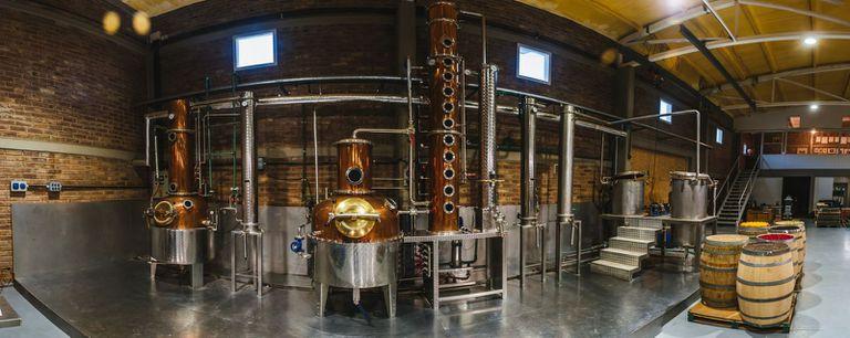 Producen en el país 70.000 litros de gin que se exportan