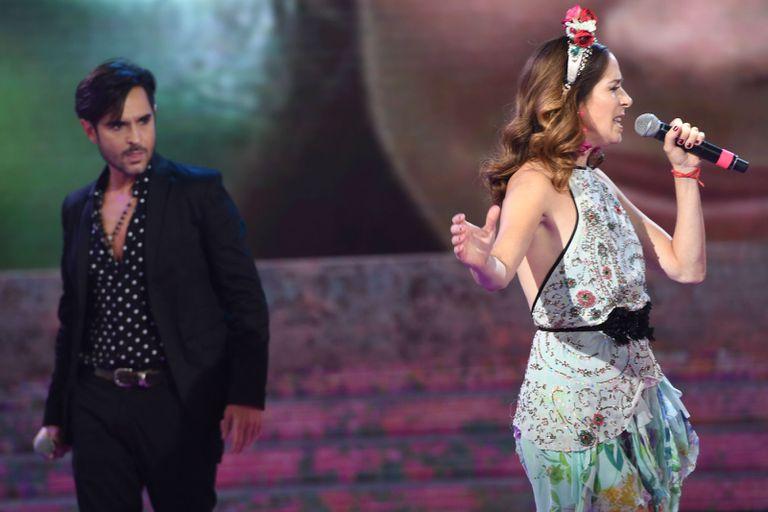 Patricio Arellano le dedicó duras palabras a su excompañera del Cantando 2020, Laura Novoa, tras las repercusiones del homenaje a las víctimas del coronavirus