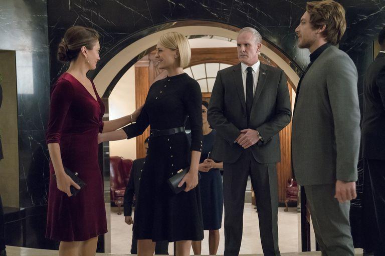 Diane Lane y Robin Wright, excompañeras de colegio, ahora enemigas acérrimas, en la temporada final de House of Cards