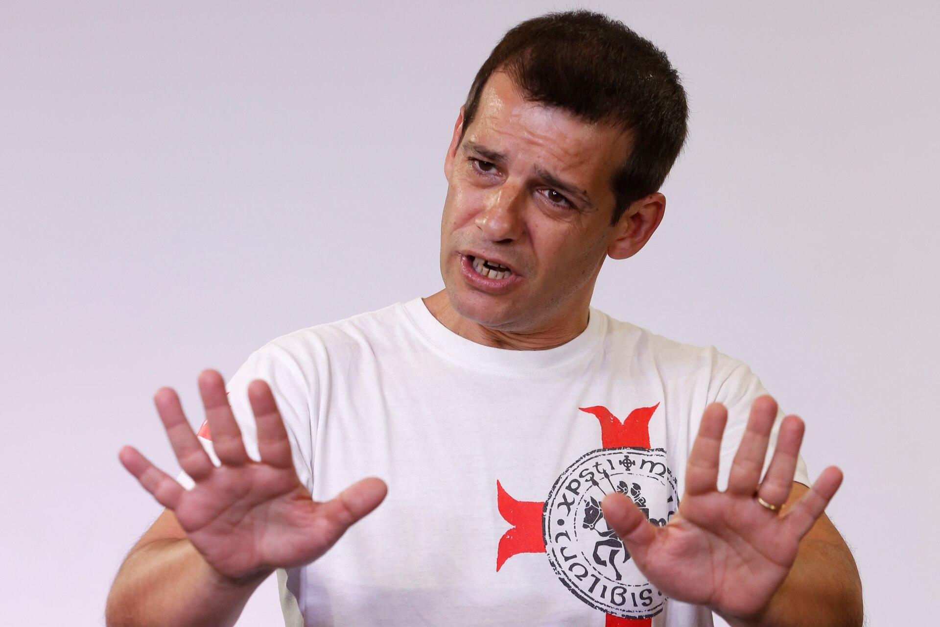 Martín Bilyk, además de humorista es guionista. Trabaja de lunes a viernes en Plato fuerte, en radio Nacional. En televisión, en Periodismo para todos, los domingos en El Trece. Dentro de su abanico de personajes se destacan: Carrió, Aníbal Fernández y Larreta