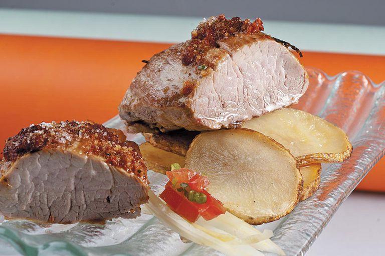 Lomito de cerdo con papas picantes