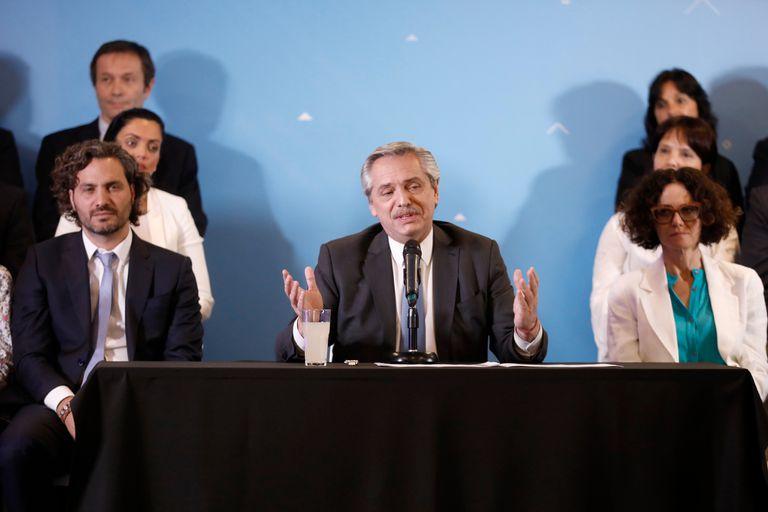 Alberto Fernandez presentó a su gabinete en sus oficinas de Puerto Madero