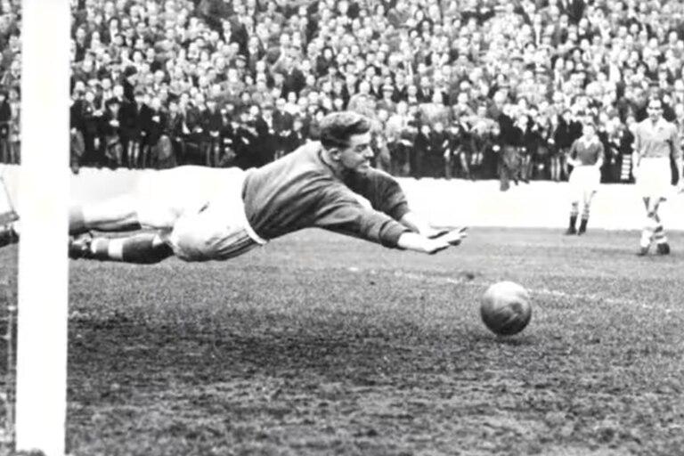 Sam Bartram atajó en más de 600 partidos de la Liga inglesa