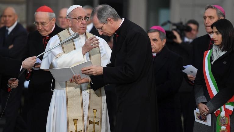 El Papa peregrinó hoy hasta la Piazza di Spagna