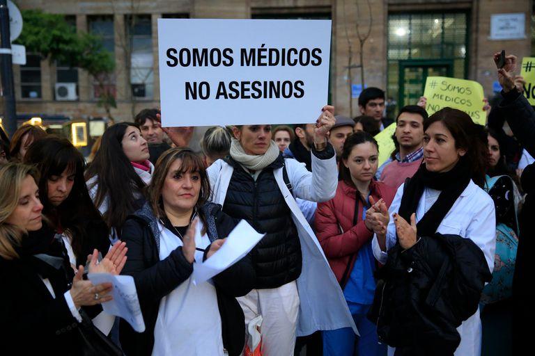 Pérez Volpin: con una marcha, respaldaron al endoscopista