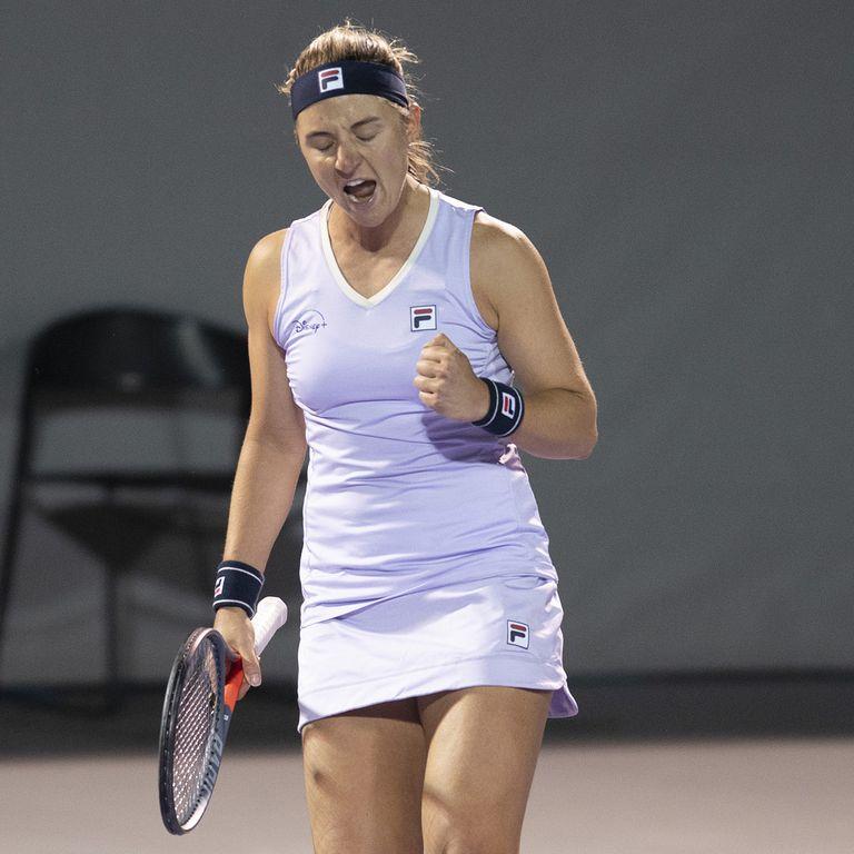 Por la primera ronda del torneo WTA 250 de Zapopan, en Guadalajara, Nadia Podoroska venció por 7-6 (8), 3-6 y 6-2 a la mexicana Olmos. En segunda ronda enfrentará a la italiana Cocciaretto.