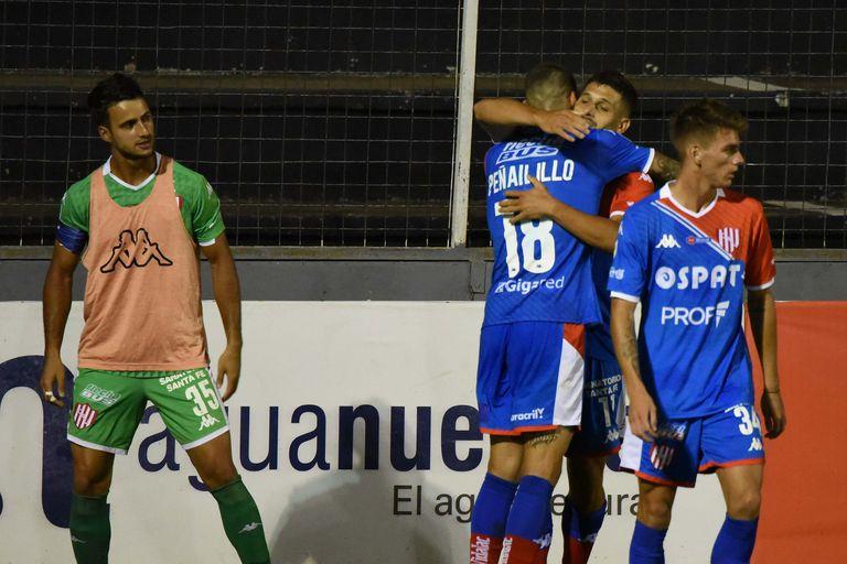 El gol de goleador de García para Unión, que se prende arriba en la Zona 2