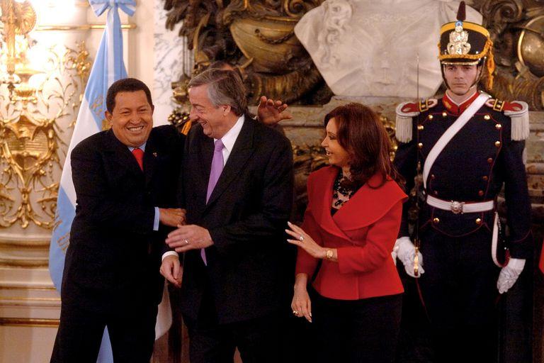 Un exfuncionario venezolano habría revelado el envío de US$ 21 millones del gobierno de Chávez al kirchnerismo