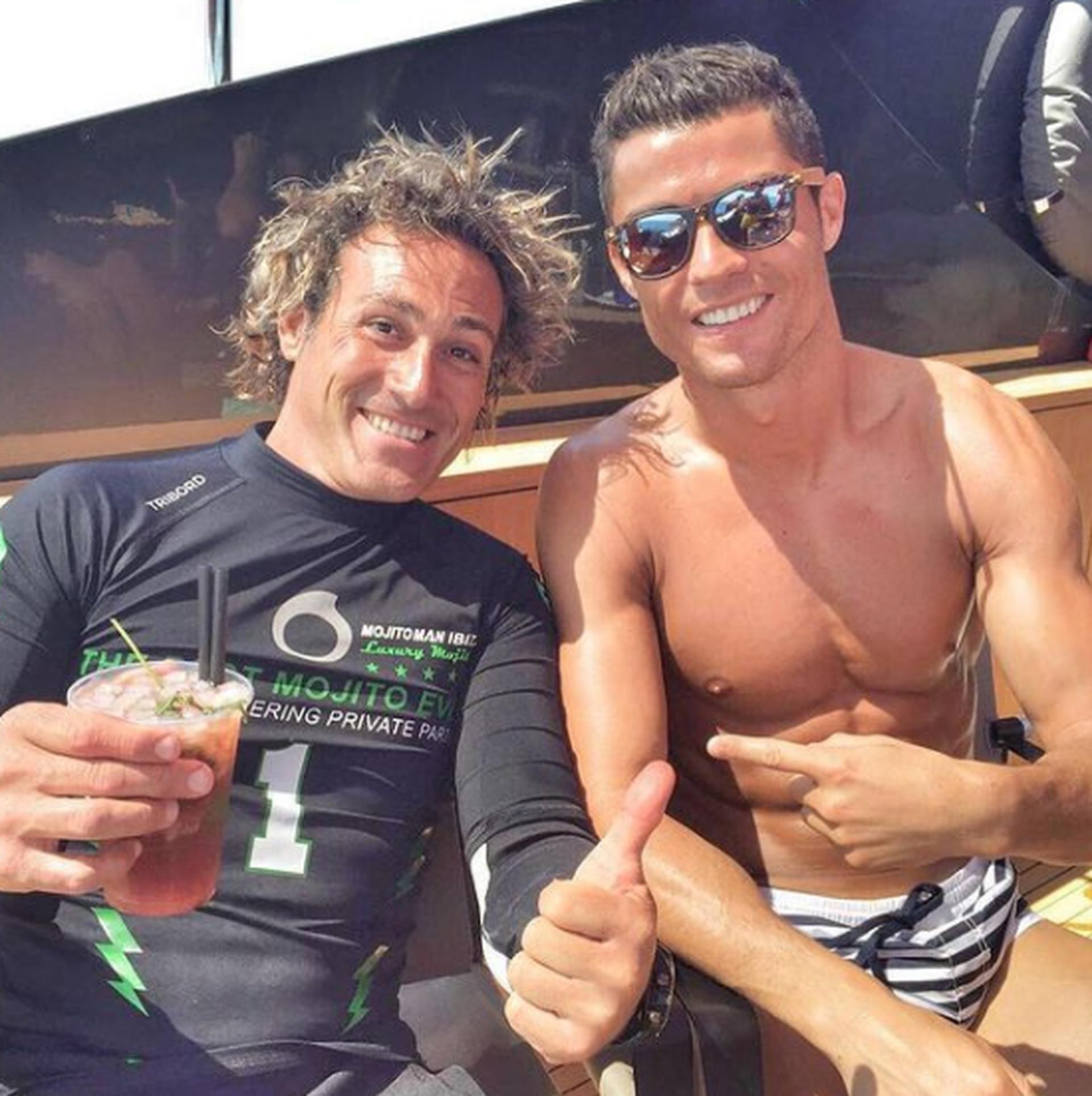 Mojitoman junto a Cristiano Ronaldo, futbolista del Manchester United