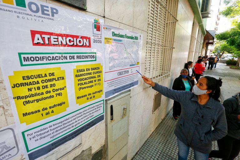 Elecciones en Bolivia. Votación en CABA. Escuela 18 Republica de Corea en Liniers.