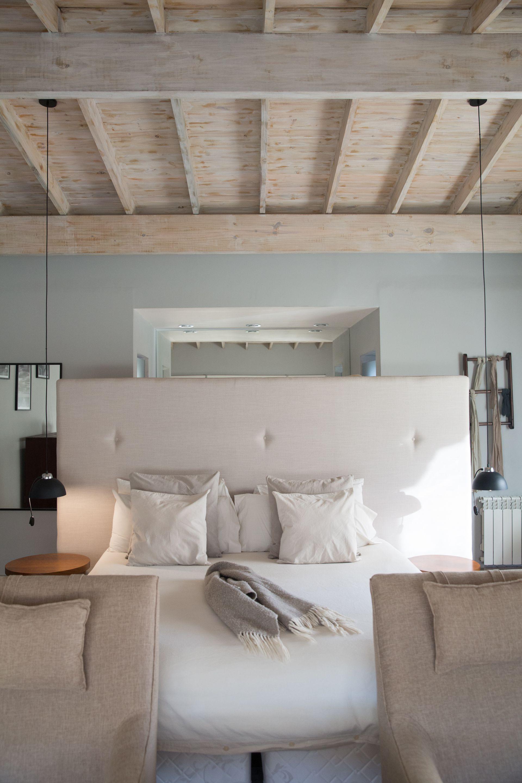 Las habitaciones de La Cascada están decoradas en tonos claros.