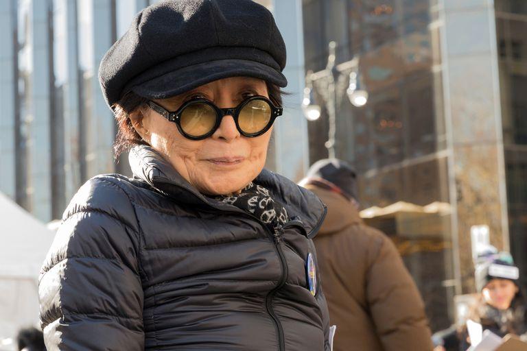 Yoko Ono cedió la gestión de sus negocios a su hijo Sean