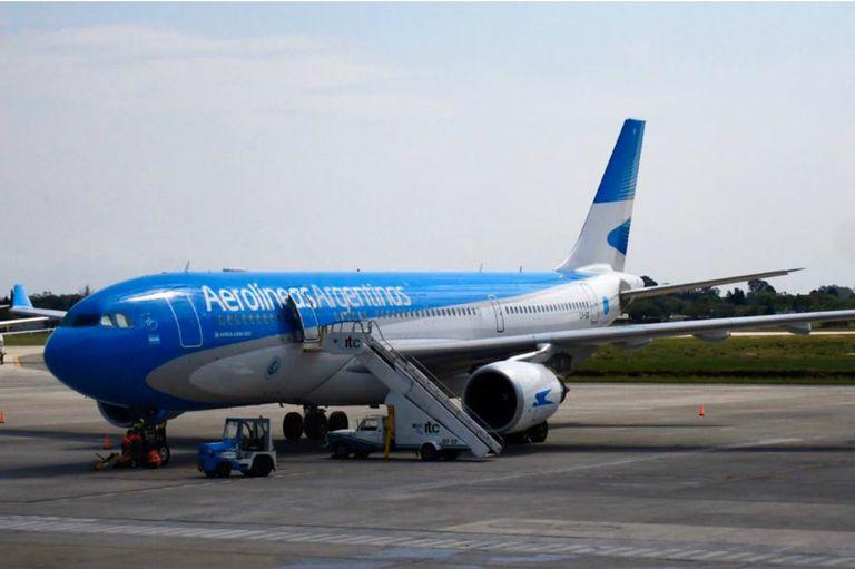 """Aerolíneas Argentinas proyecta recaudar en 2021 US$320 millones en concepto de """"servicios adicionales"""""""