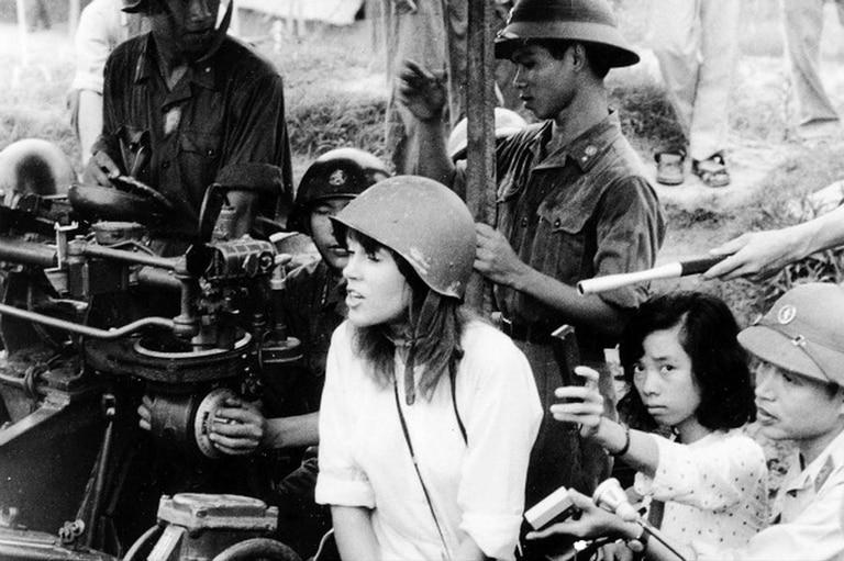 La famosa foto en Hanoi con las tropas de Vietnam del Norte.