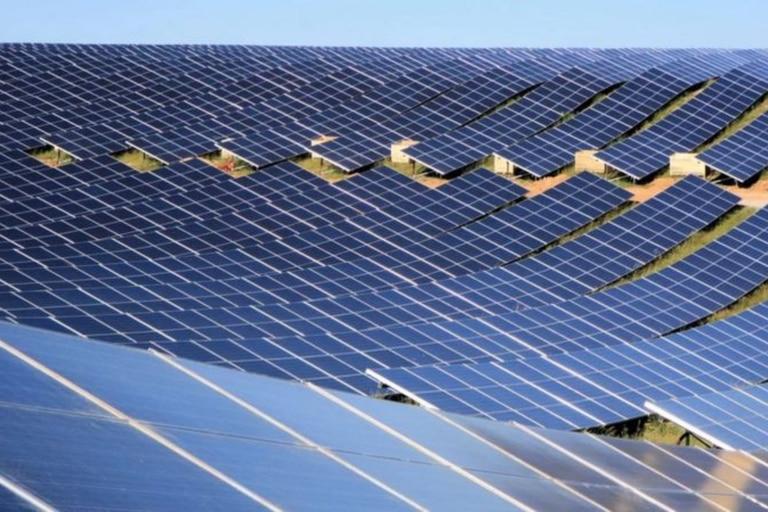 """El """"battolyser"""" puede ser una forma de ayudar a equilibrar la oferta y la demanda de energía renovable de fuentes como la solar y la eólica"""