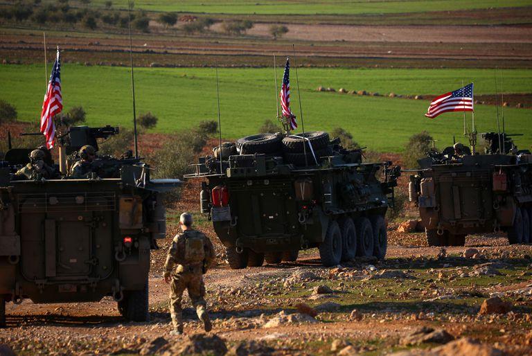 Una convoy de fuerzas norteamericanas, en la ciudad siria de Manbij
