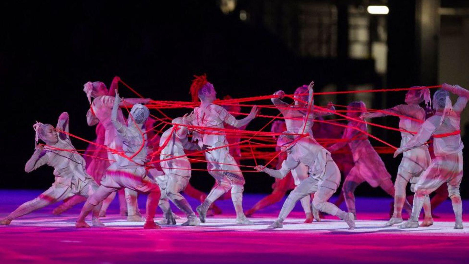 Color y juegos de luces en la apertura de los Juegos Olímpicos de Tokio 2020