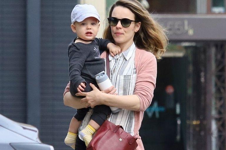 Rachel McAdams con su primer hijo, fruto de su relación con el guionista Jamie Linden