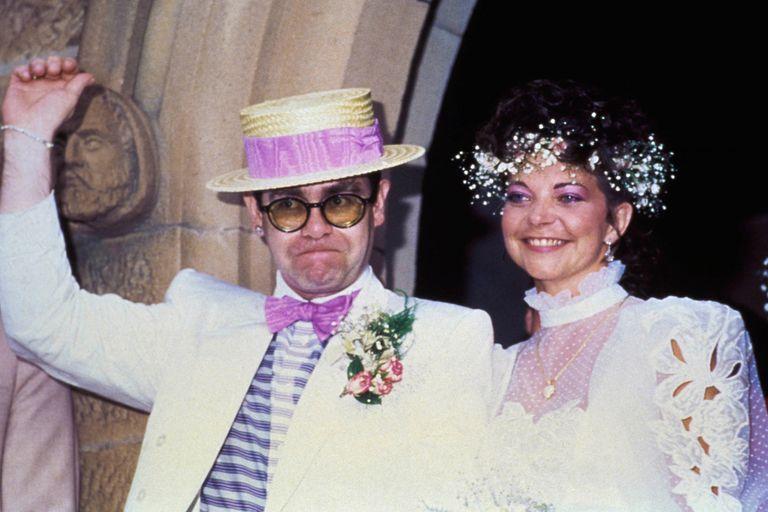 Elton John y Renate Blauel, en el día de su casamiento en 1984