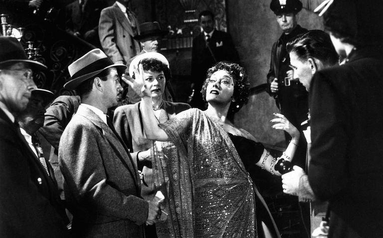 Gloria Swanson, estrella eterna de este estudio, en El ocaso de una vida (Sunset Boulevard, 1950), de Billy Wilder