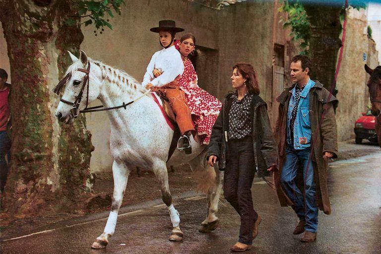 En los veranos de los años 90, la hija de la princesa Carolina se vestía con trajes de lunares para las fiestas andaluzas que se celebraban en el club hípico.