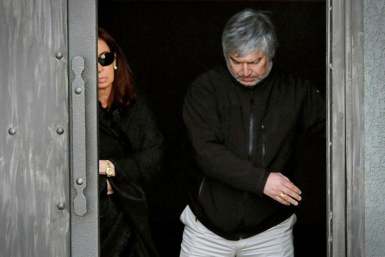"""""""Lo condenaron porque es morocho, porque es de tez oscura, porque es amigo de Néstor Kirchner"""", fue la defensa sobre Lázaro Báez que ensayó Oscar Parrilli, uno de los alfiles de Cristina Kirchner en el Senado"""