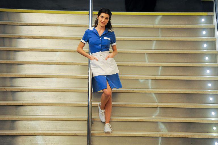 Scaglione es Jenna, la camarera que conquistará a todos