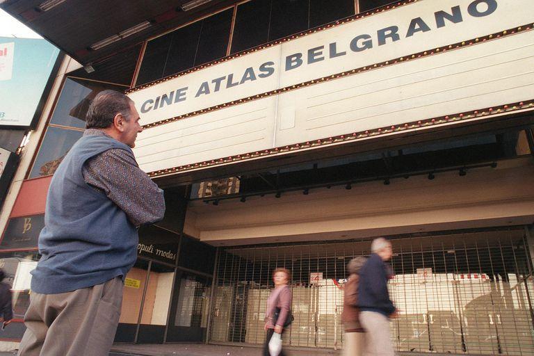 El Atlas Belgrano, uno de los cines más amplios de la historia de la avenida Cabildo y del barrio de Belgrano, duró menos de lo imaginado.