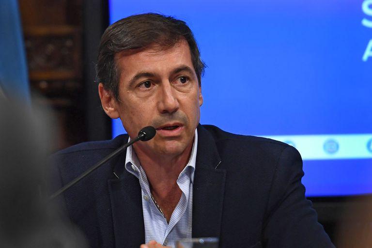 El senador radical Luis Petcoff Naidenoff