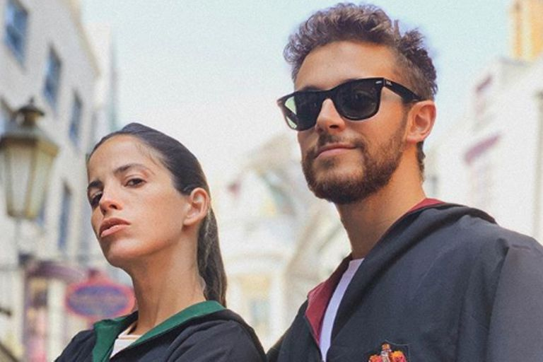 La novia del actor italiano hizo un fuerte descargo en su cuenta de Twittter
