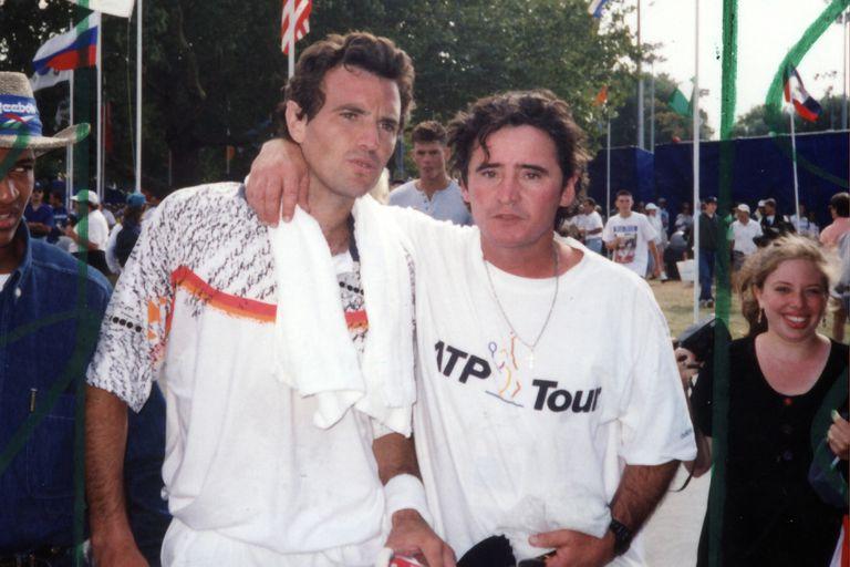 """Tiempos de acción y viajes por el circuito: Jorge """"Chino"""" Gerosi junto con uno de sus mayores orgullos, Javier Frana."""
