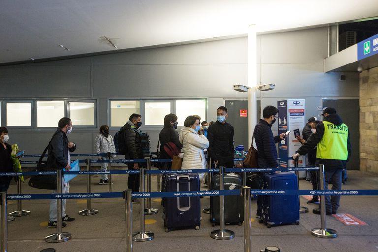 Jujuy, tras recibir el primer vuelo de cabotaje del país, volvió al distanciamiento social y reabrió el turismo interno