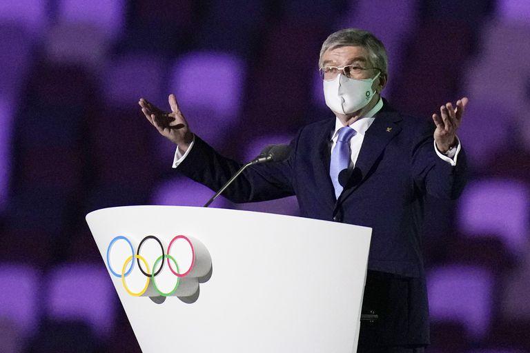 Thomas Bach, presidente del Comité Olímpico Internacional, habla durante la ceremonia de apertura en el Estadio Olímpico de los Juegos Olímpicos de Verano de 2020, el viernes 23 de julio de 2021, en Tokio, Japón.