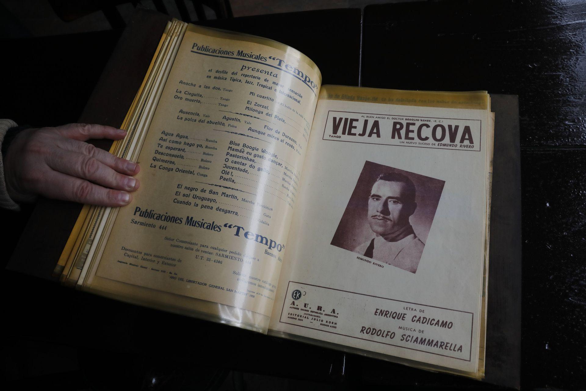 Enrique Cadícamo era habitué de Los Laureles, el centenario bar notable de Barracas