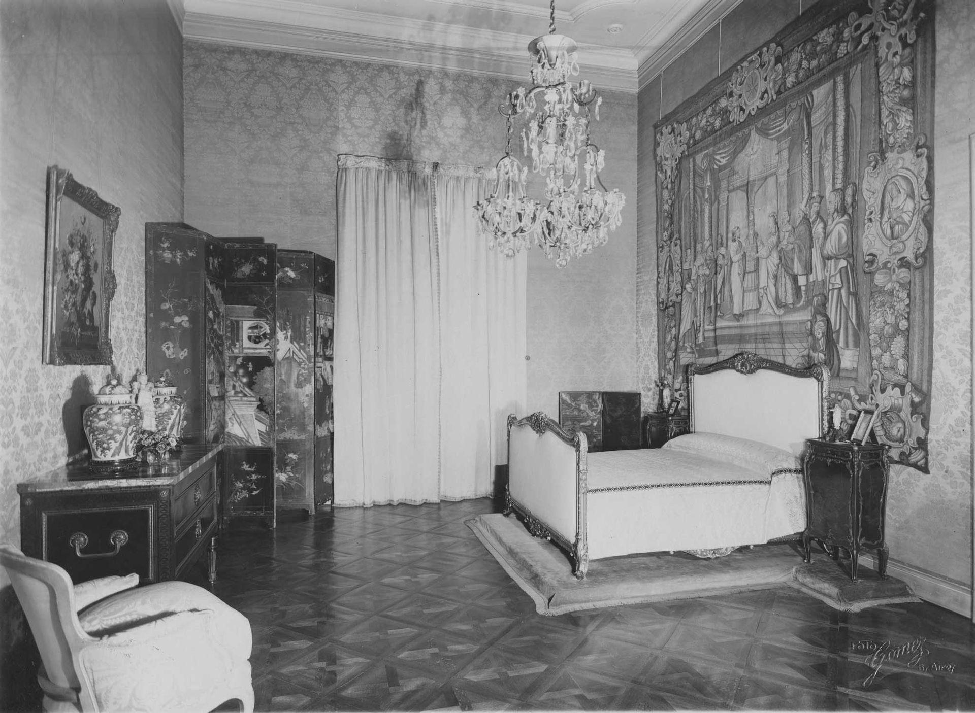 Una de las habitaciones del primer piso, en tiempos de la familia Unzué.