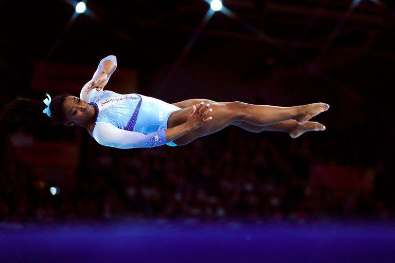 La valentía de Simone Biles: la gimnasta superó una historia de abusos y lo dio a conocer para que se tomara como un caso testigo en pleno siglo XXI