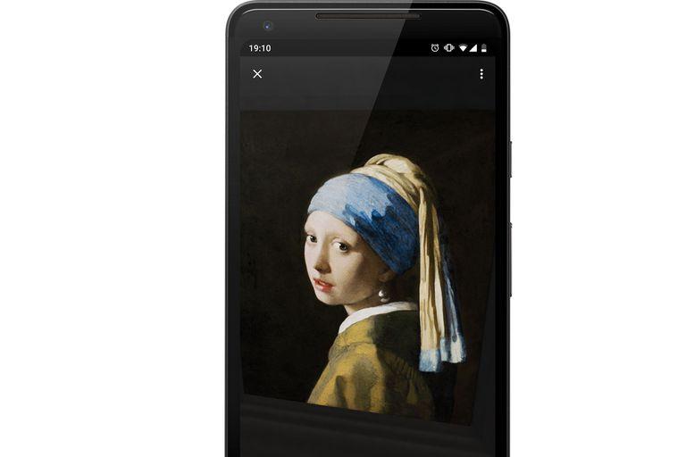 """""""La joven de la perla"""", de Vermeer. El original está en el museo Mauritshuis, de Holanda. Ahora, la podés ver en tu celular y en alta definición."""