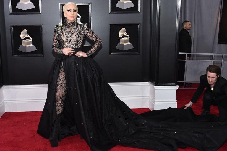 Grammy 2018: el mensaje detrás de las rosas blancas en los looks de la noche