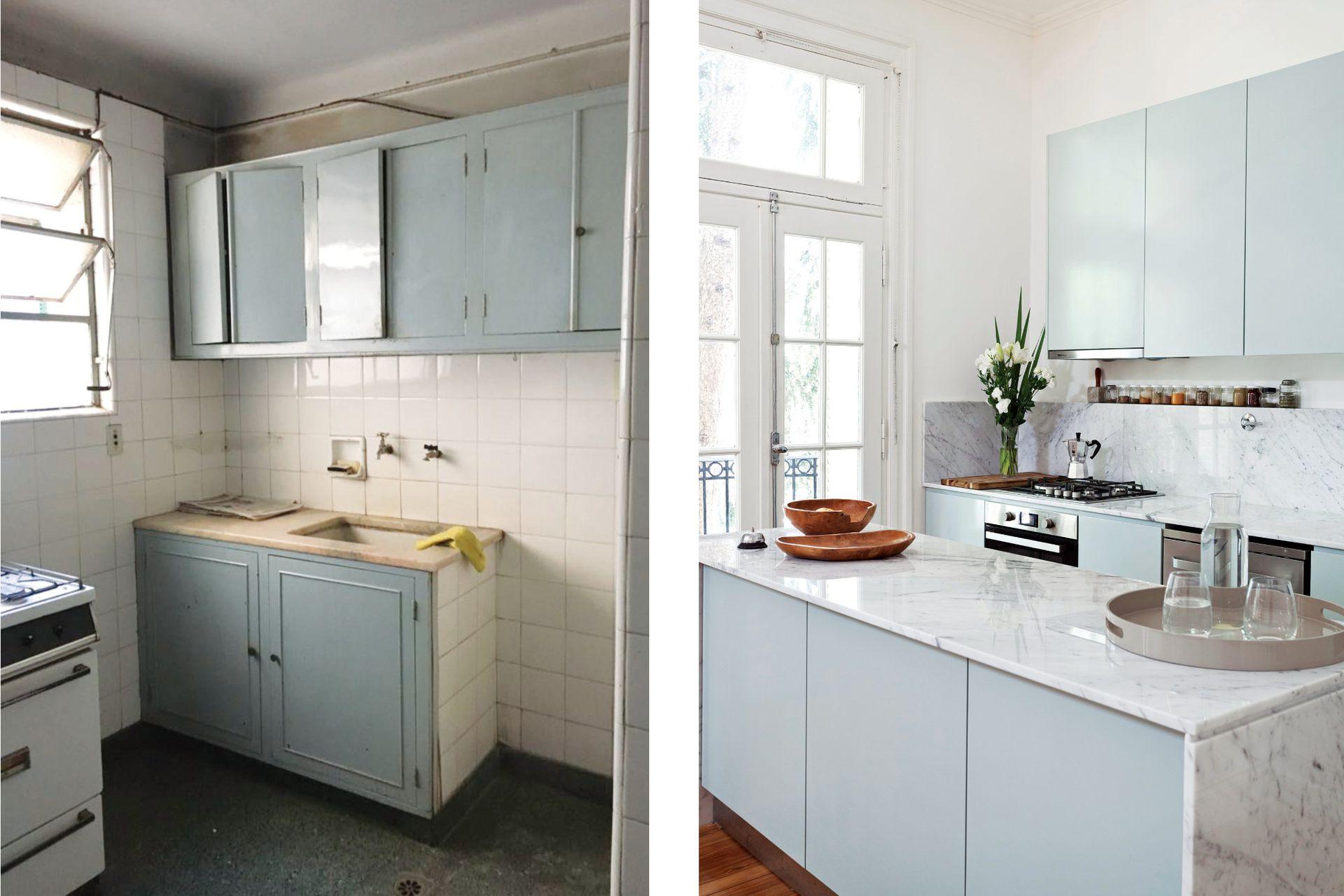 Los muebles de cocina (Estudio Trama) se pintaron con el tono 'Sea Salt' de Sherwin Williams. Con mesada de mármol de Carrara (Forte dei Marmi), la isla ofrece más lugar de trabajo y apoyo a la cocina, y contribuye a separar los ambientes.