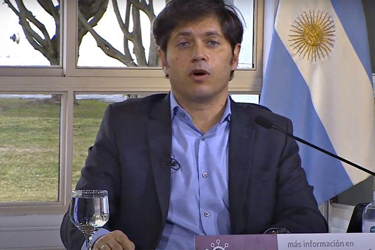 """El gobernador Axel Kicillof sostuvo hoy que en este momento hay una """"cuarentena estricta"""" en Barcelona, pero la embajada de España lo desmintió"""