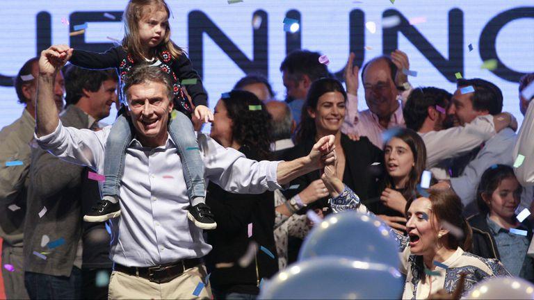 Macri en pleno festejo durante la noche de las elecciones del 25 de octubre pasado