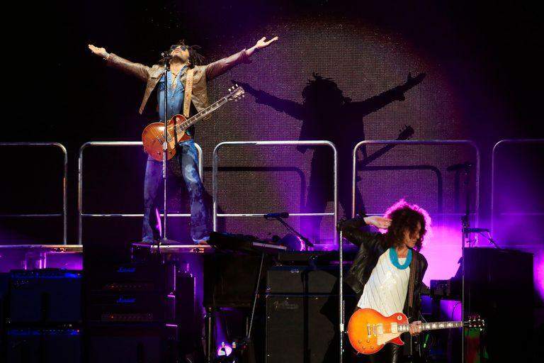 """Kravitz en el comienzo: """"Fly Away"""" abrió su noche"""