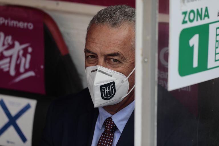 En el banco de Ecuador estará el DT argentino Gustavo Alfaro. (AP Photo/José Jacome/Pool vía AP)