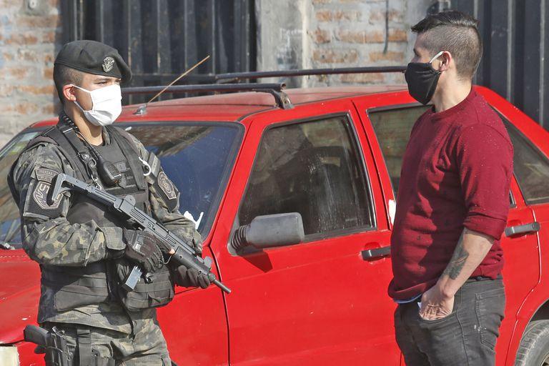 CORONAVIRUS - COVID19 - Vigilancia  en Villa Madero depues de problemas de inseguridadl . 12 de junio de 2020. FOTO DANIEL JAYO/LA NACION