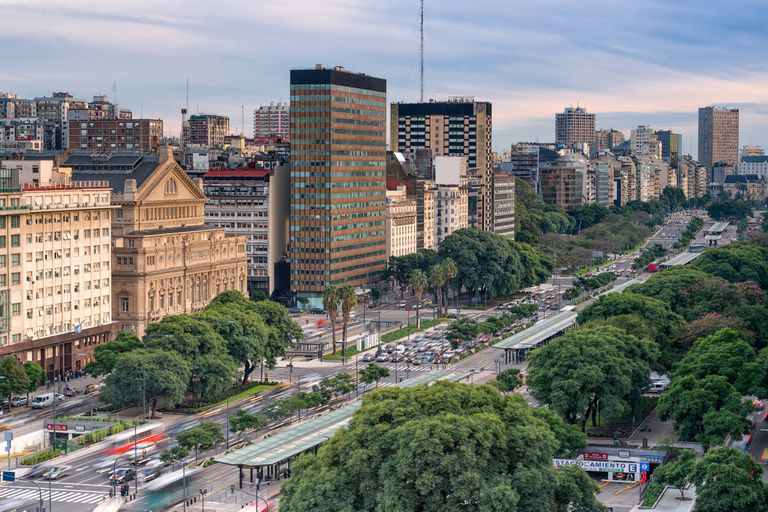 La idea transversal que recorre la propuesta general de la Secretaría de Ambiente porteña descansa en que Buenos Aires se convierta en una ciudad carbono neutral, resiliente e inclusiva en treinta años