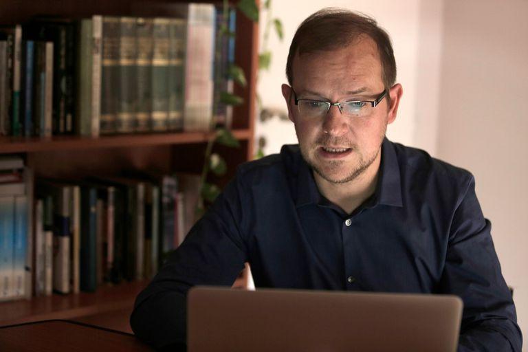 Omar Hein, psicólogo, asegura que las sesiones virtuales se multiplicaron
