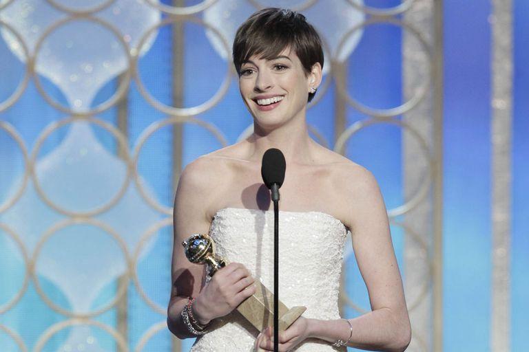 Una de las premiadas, Anne Hathaway por su papel secundario en Los miserables