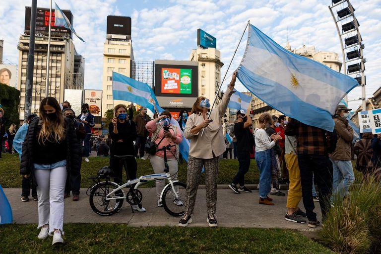 Marcha #9J en el Obelisco y banderazo contra el gobierno nacional.