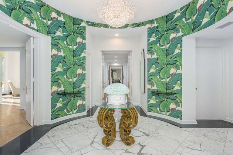 En fotos, la mansión de Lily Collins con toques de la era dorada de Hollywood