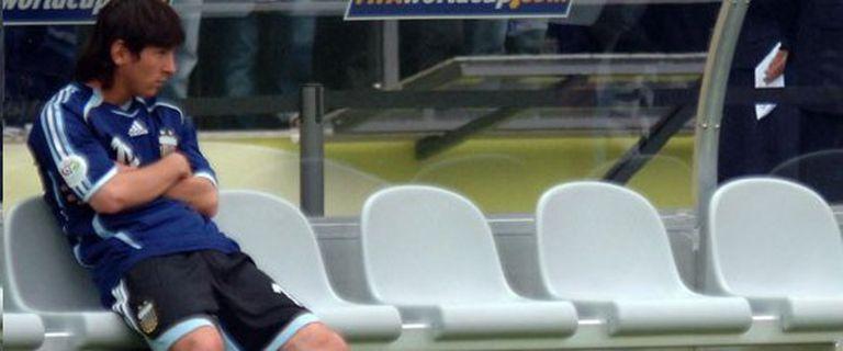 Messi en el banco en el Mundial 2006 ante Alemania